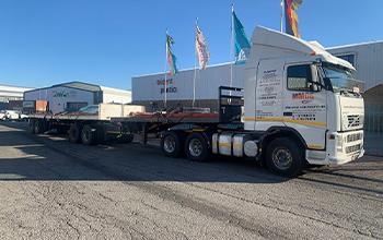 Tri-axle-trucks